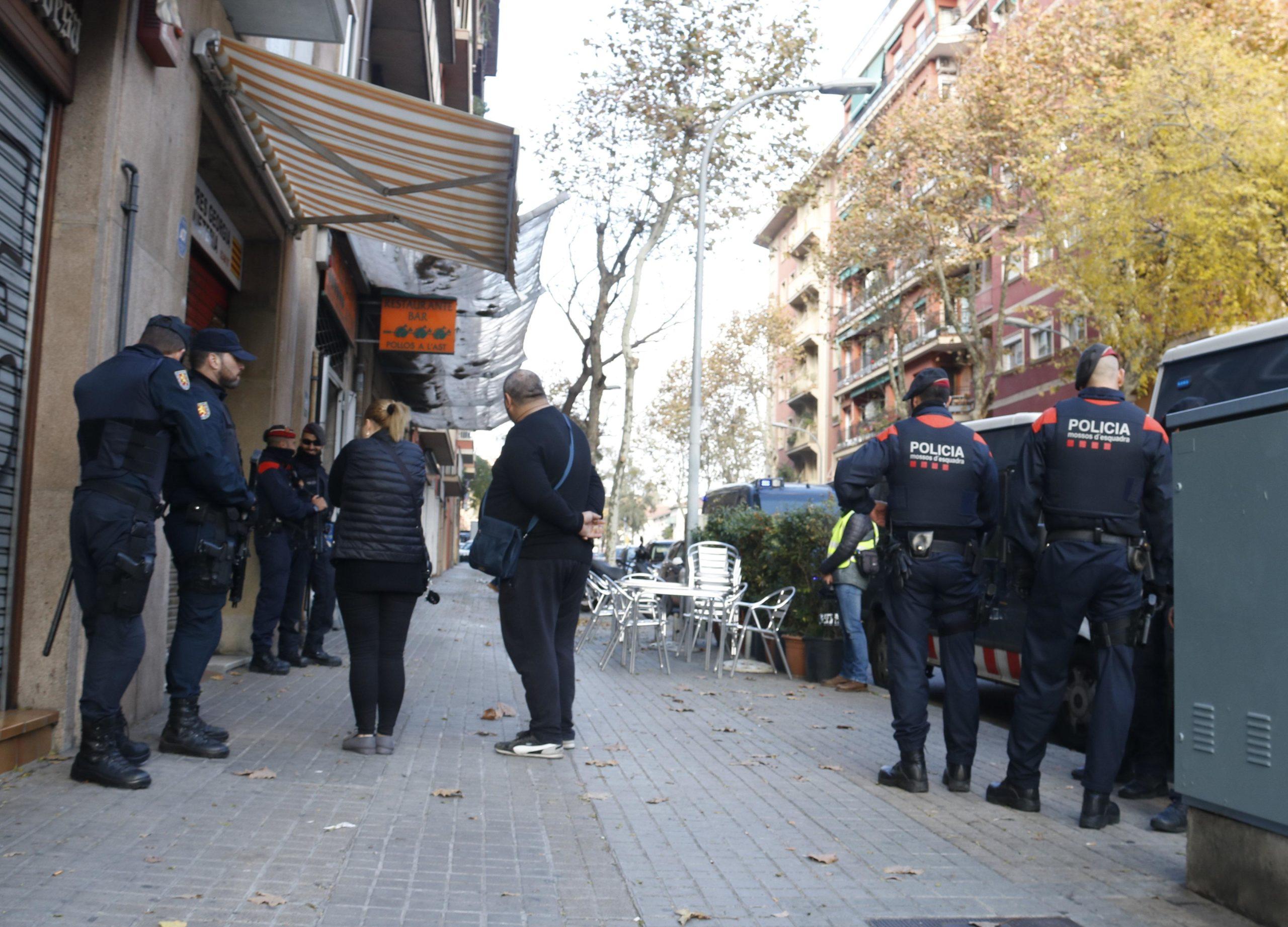 Mossos d'Esquadra en una operació a Barcelona, en una imatge d'arxiu / Acn