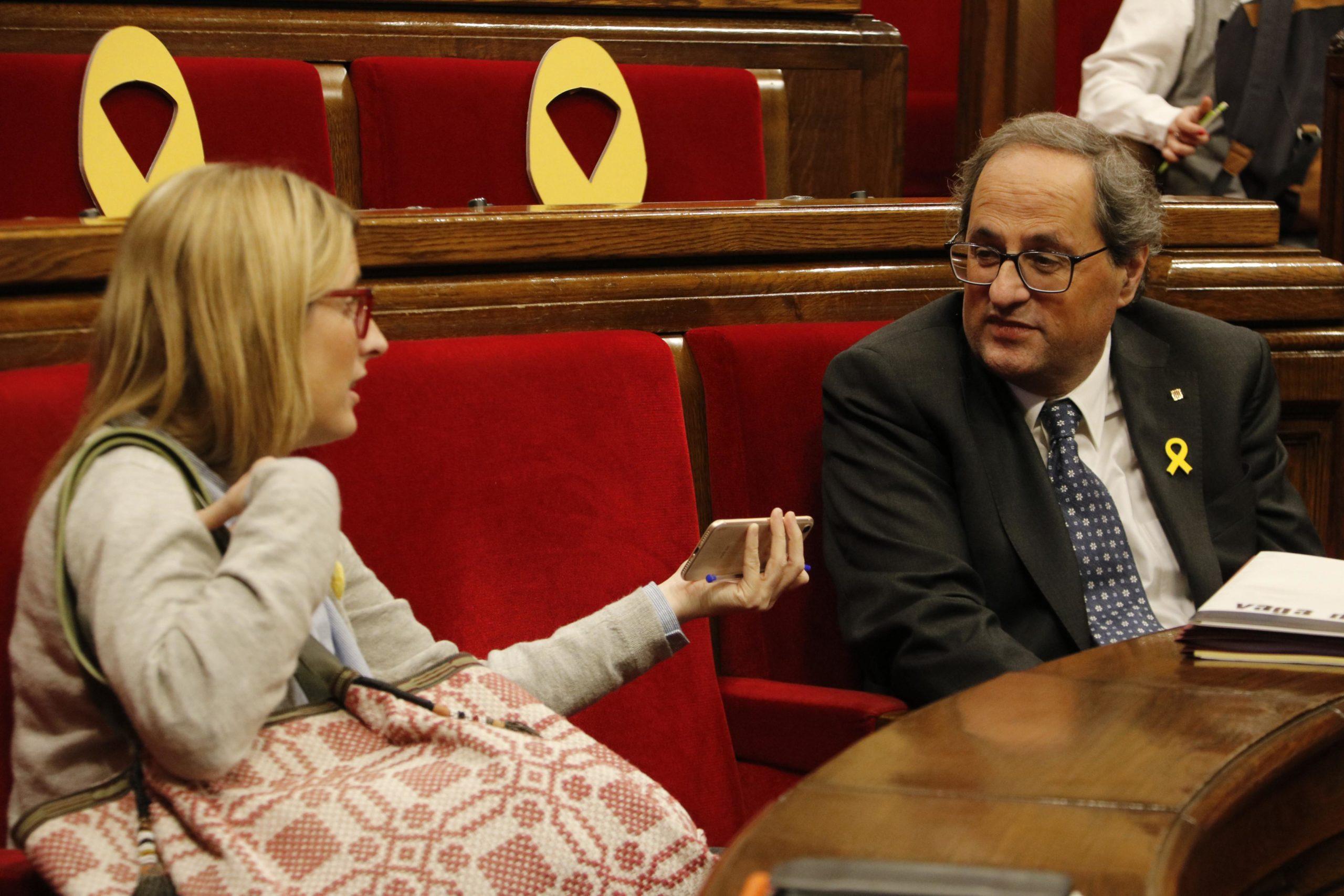 Elsa Artadi i Quim Torra al Parlament.   ACN
