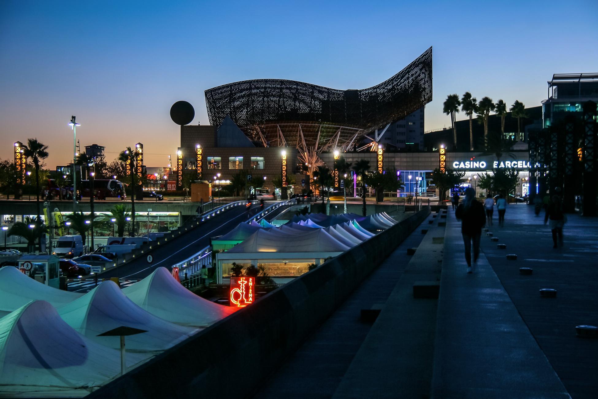 Els restaurants del Port Olímpic tindran dos anys més de concessió / Jorge Franganillo
