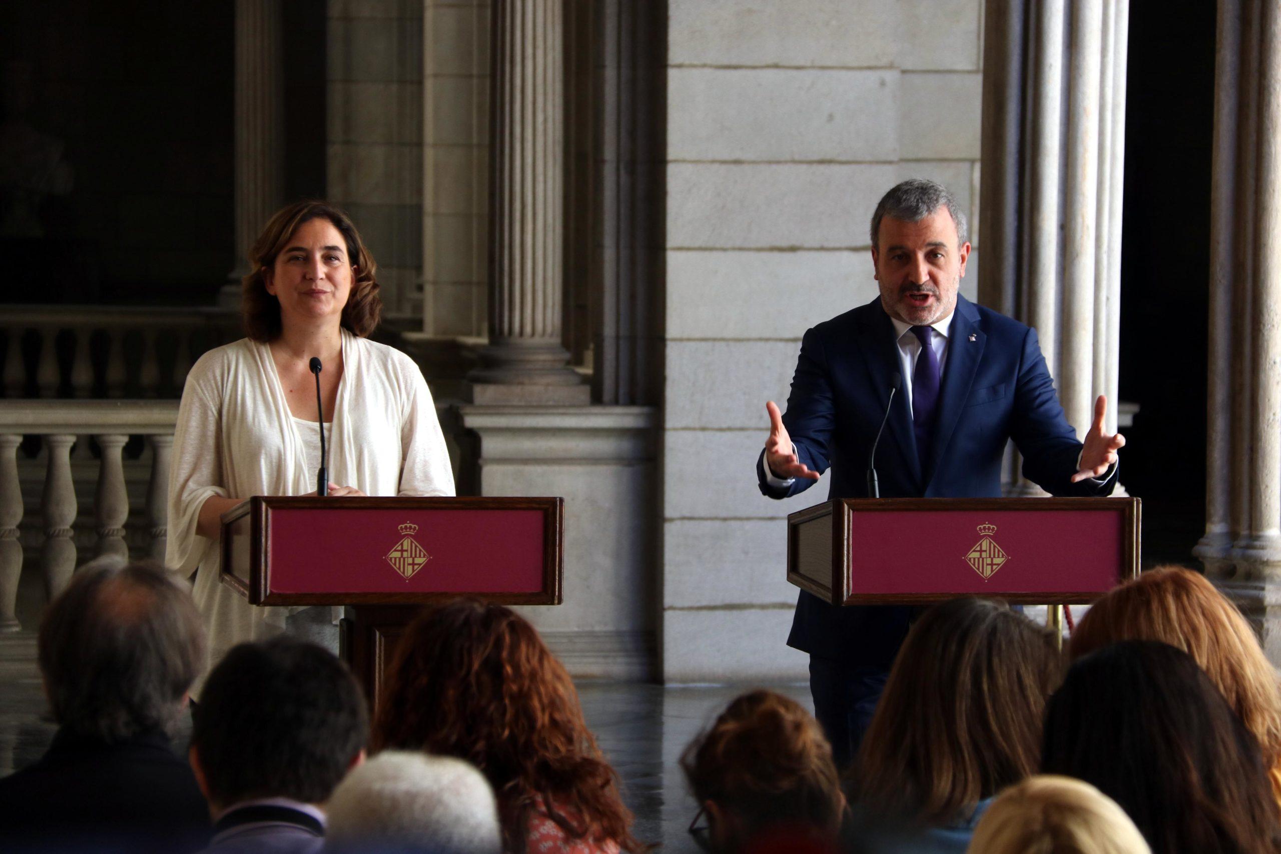 Colau i Collboni durant la presentació del nou equip de govern / ACN