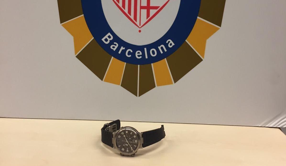 El rellotge robat per uns lladres que van fugir en patinet i que van ser detinguts per la Guàrdia Urbana / GUB
