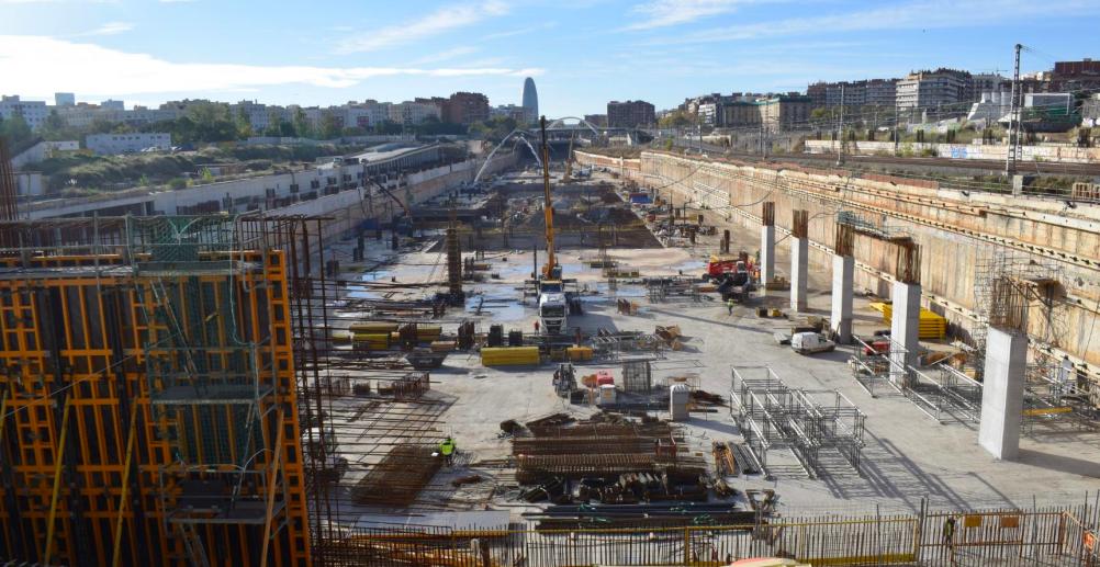 Vista de la llosa inferior de l'estació de la Sagrera, quasi acabada / Ajuntament i BSAV