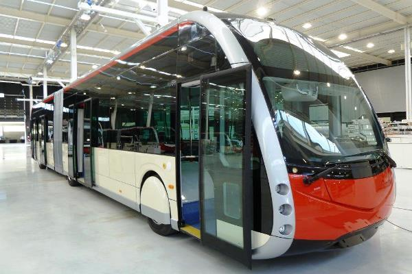 Autobús elèctric que ja circula per Barcelona.   TMB