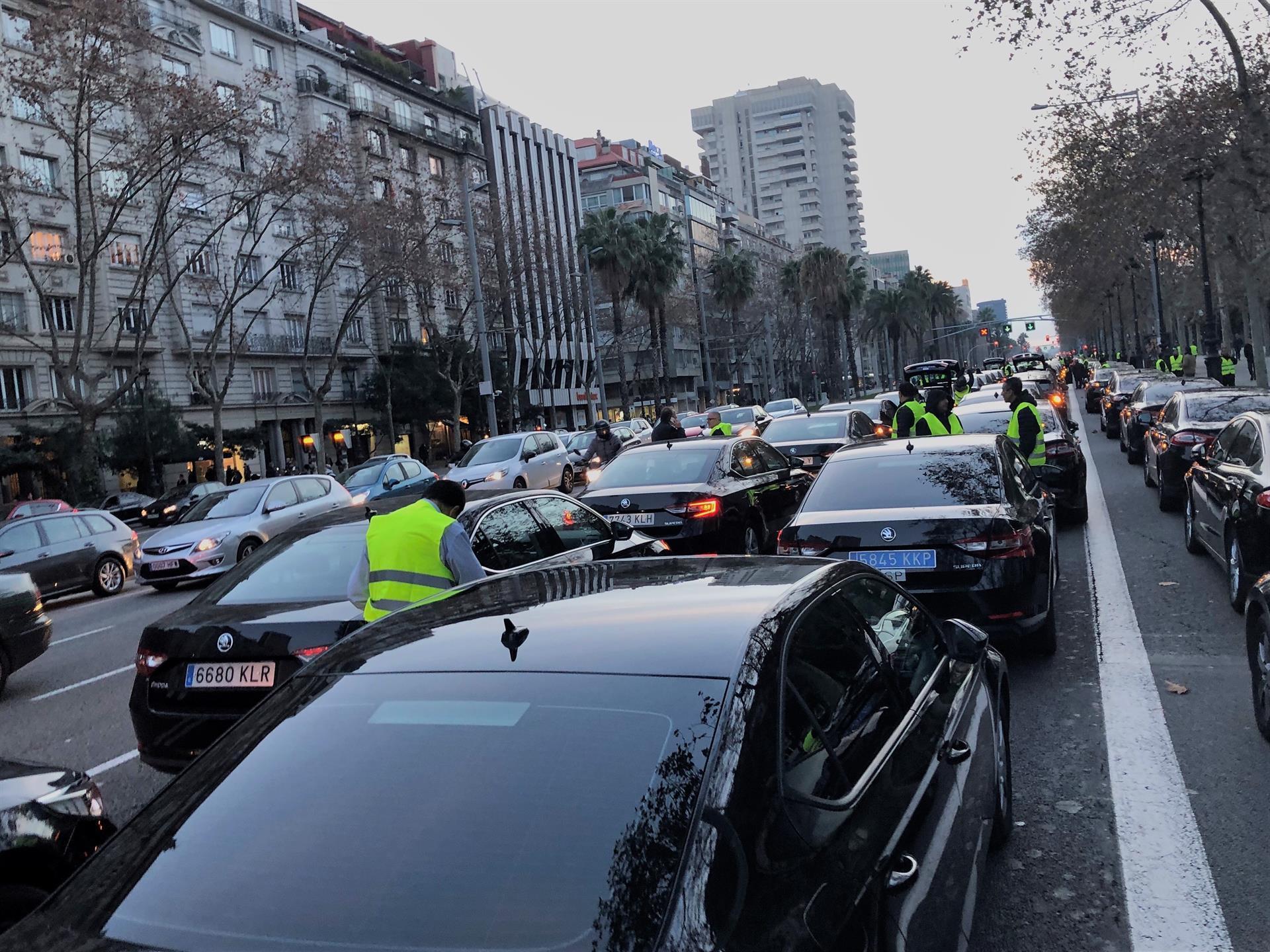 Vehicles VTC a la Diagonal / Europa Press