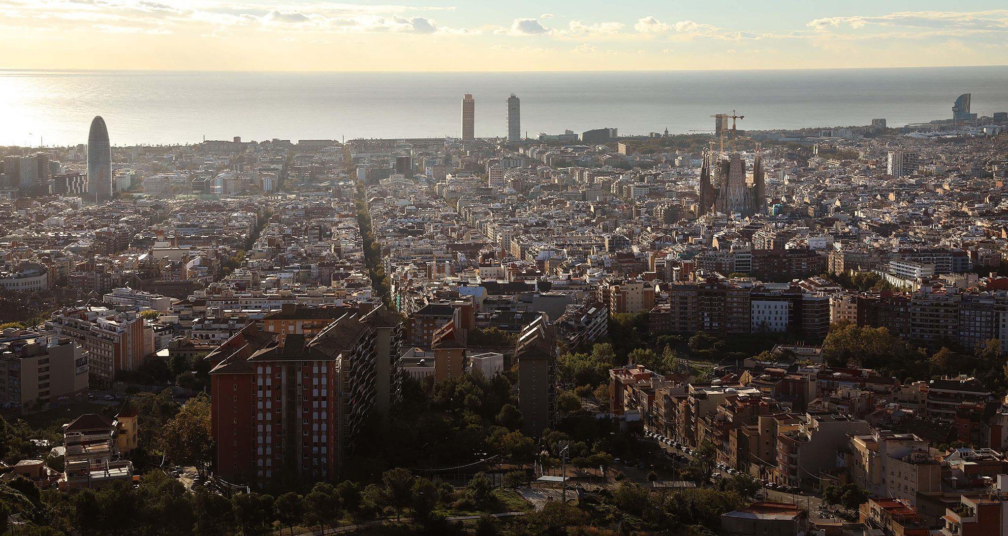Vista de Barcelona des del Turó de la Rovira / Jordi Play