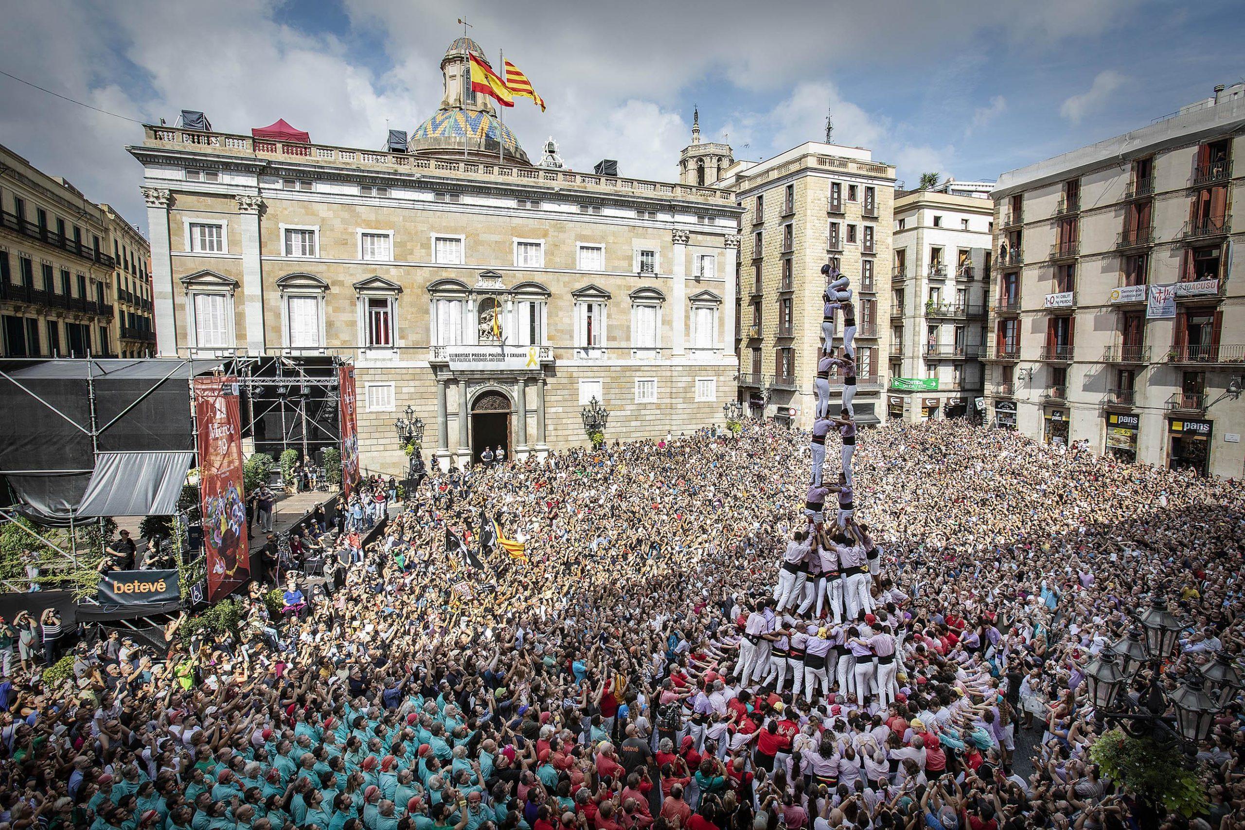 Castell dels Minyons de Terrassa, en la Diada Castellera Històrica, amb colles convidades, de la Mercè 2019 / Jordi Play