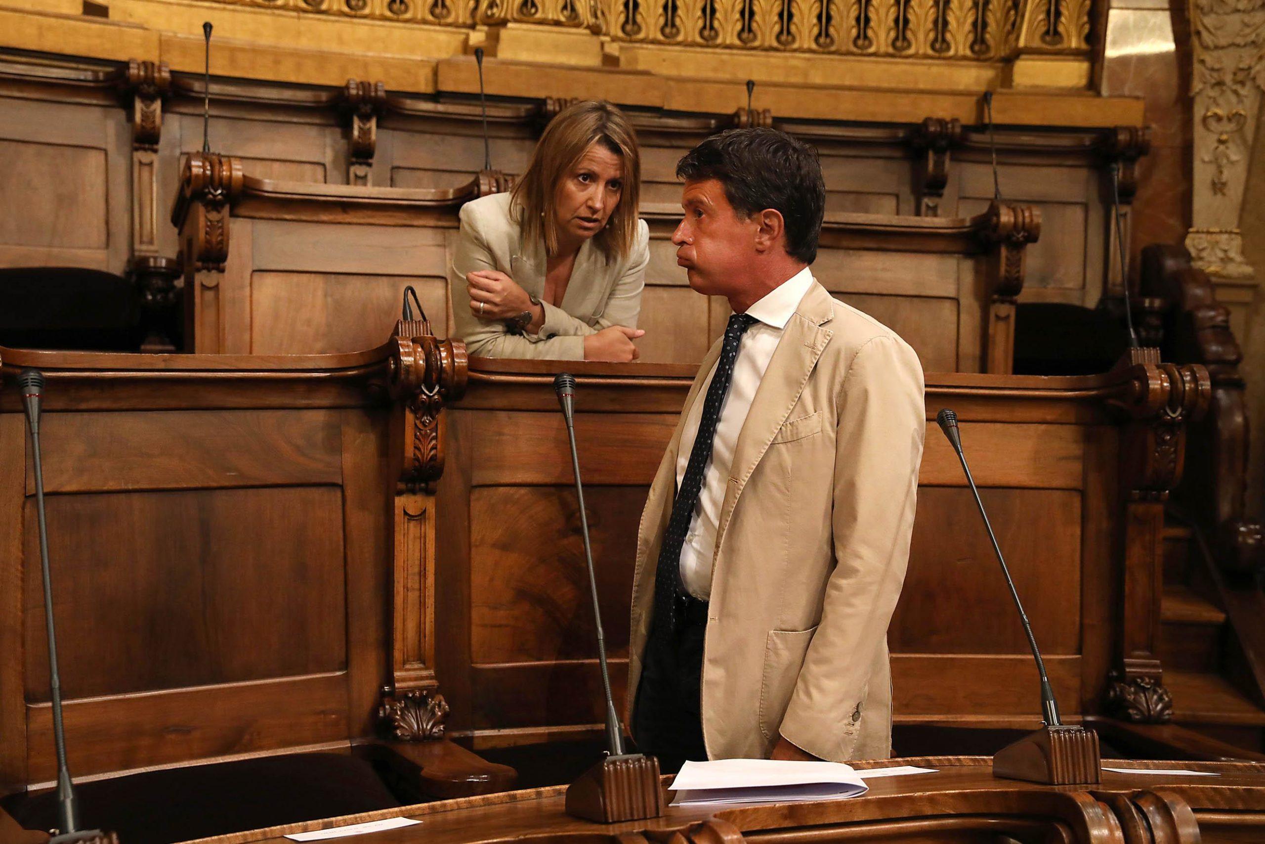 Manuel Valls i Eva Parera, al ple de l'Ajuntament de Barcelona / Jordi Play