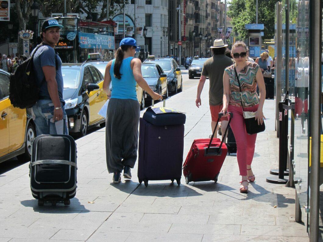 Imatge d'arxiu de turistes a Barcelona / Europa Press
