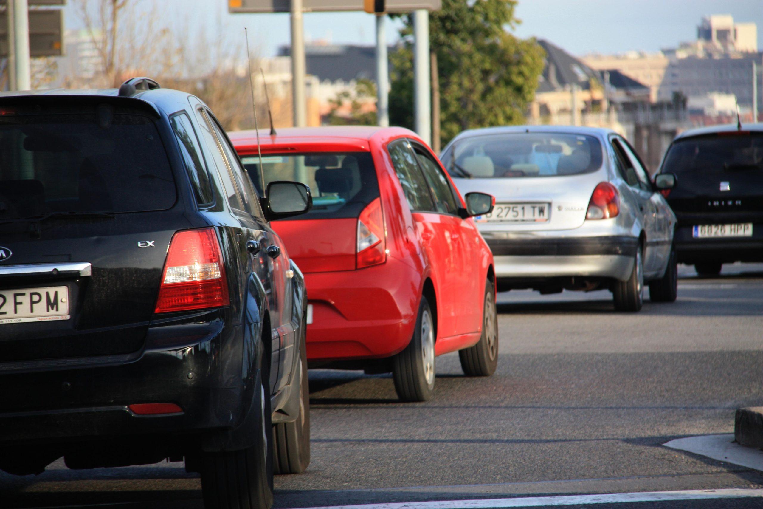 Cotxes circulant a Barcelona / ACN