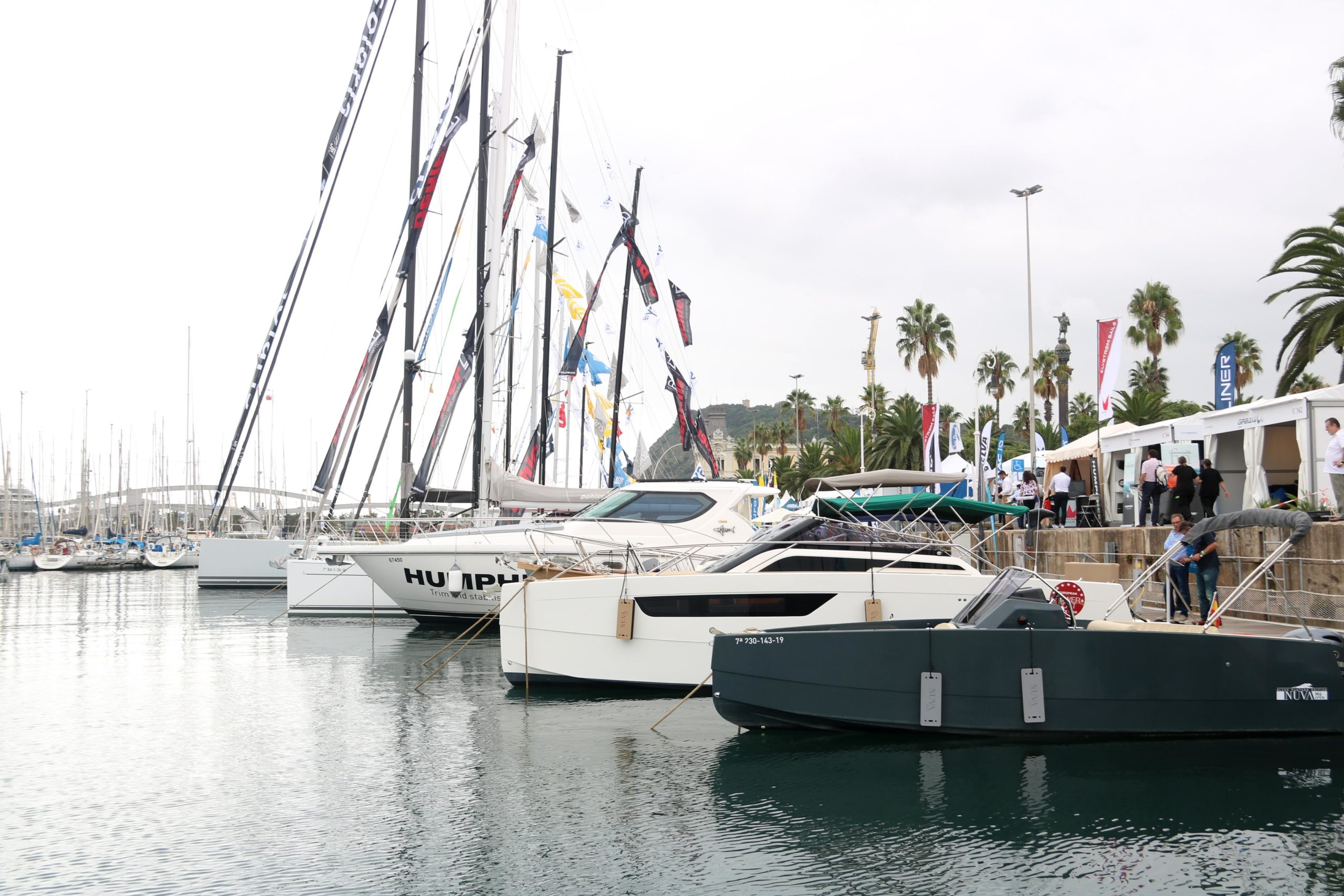 Vaixells a exposats a l'aigua del Port Vell amb motiu del Saló Nàutic Internacional de Barcelona / ACN