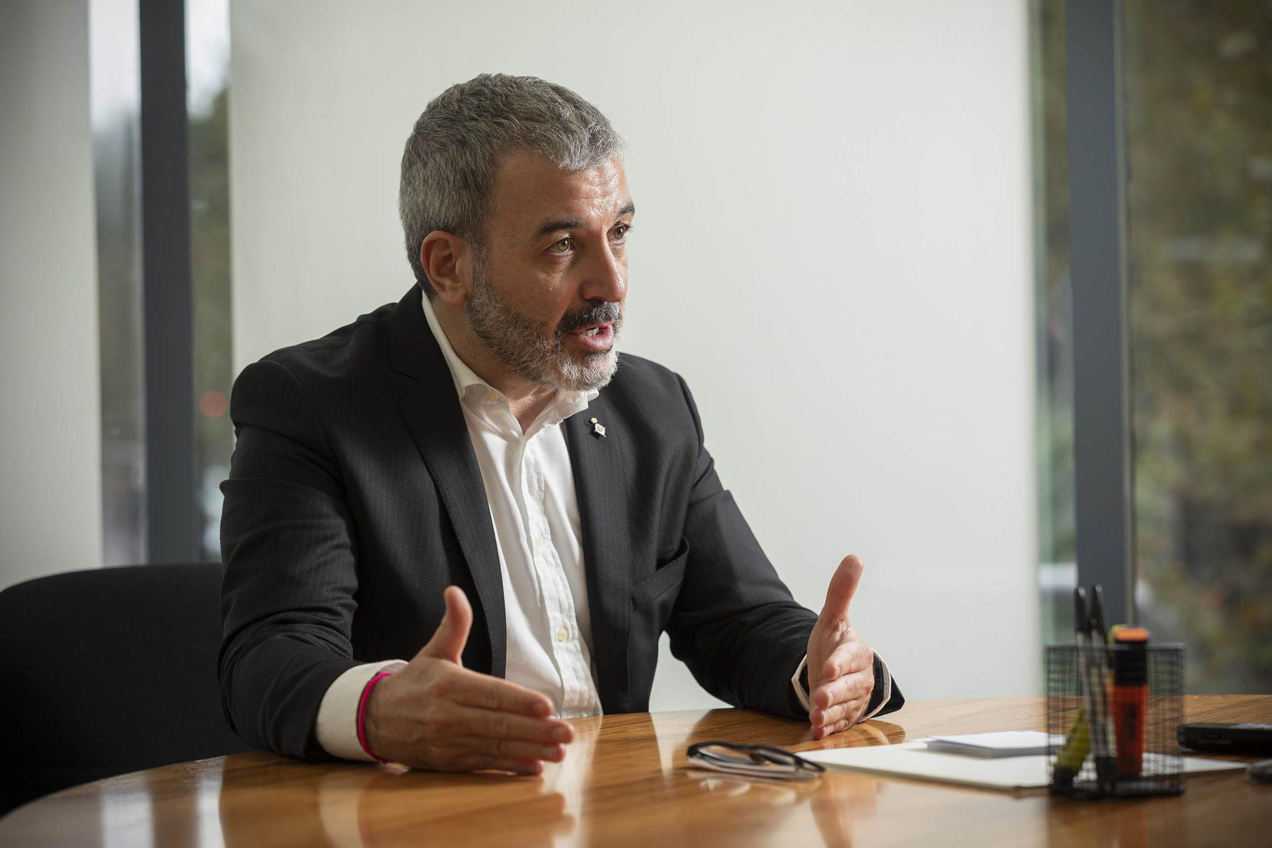 El tinent d'alcalde Jaume Collboni durant l'entrevista amb el TOT Barcelona / Jordi Play