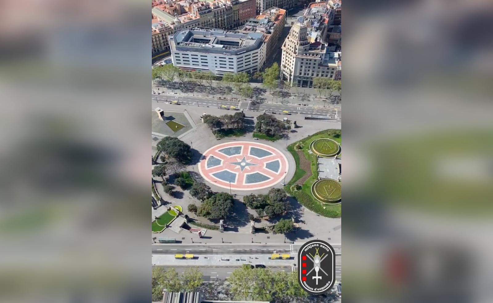 La Plaça Catalunya des de l'aire, completament buida | Mossos