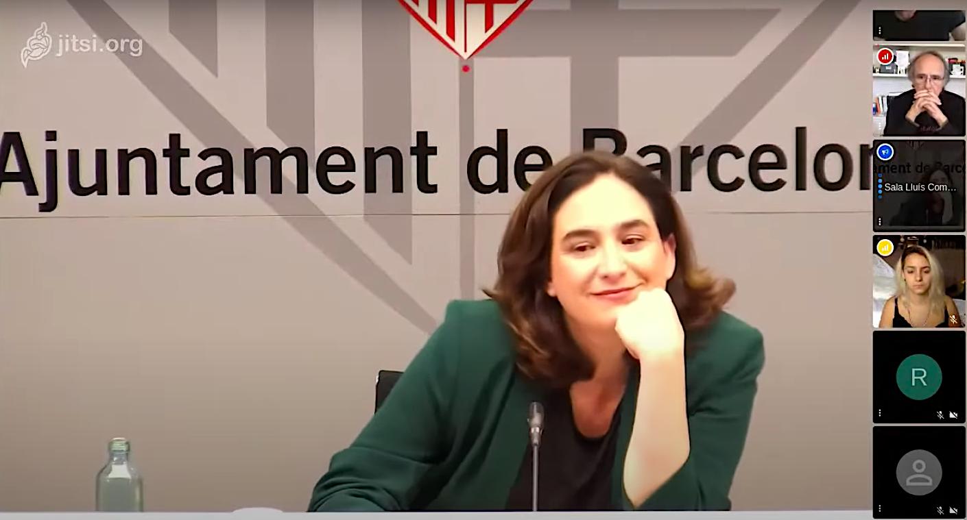 L'alcaldessa de Barcelona, Ada Colau, en un moment de la videoconferència per presentar el concert 'Barcelona, ens en sortirem'