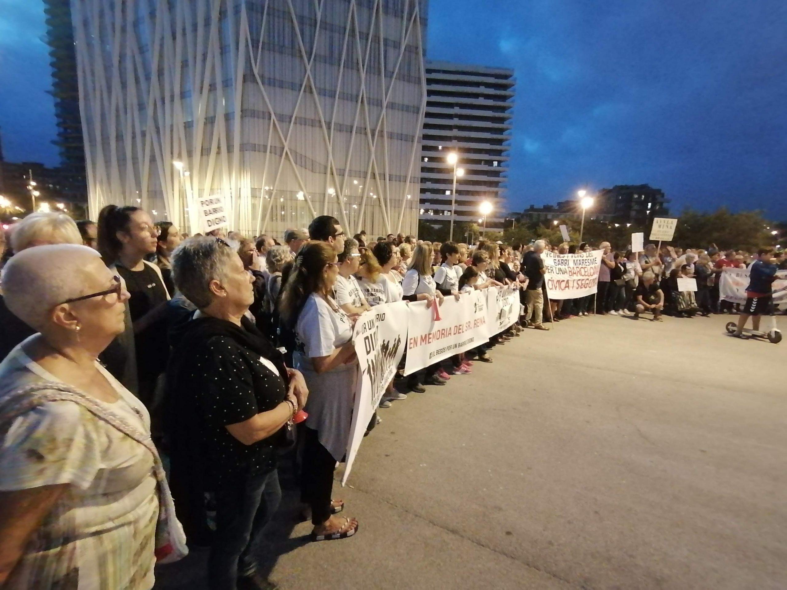 Arribada de la manifestació veïnal del Besòs al Fòrum, final del r