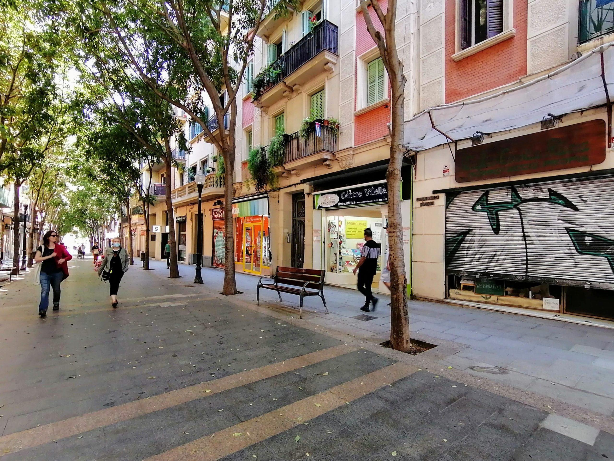 Botigues al carrer Rogent / MMP