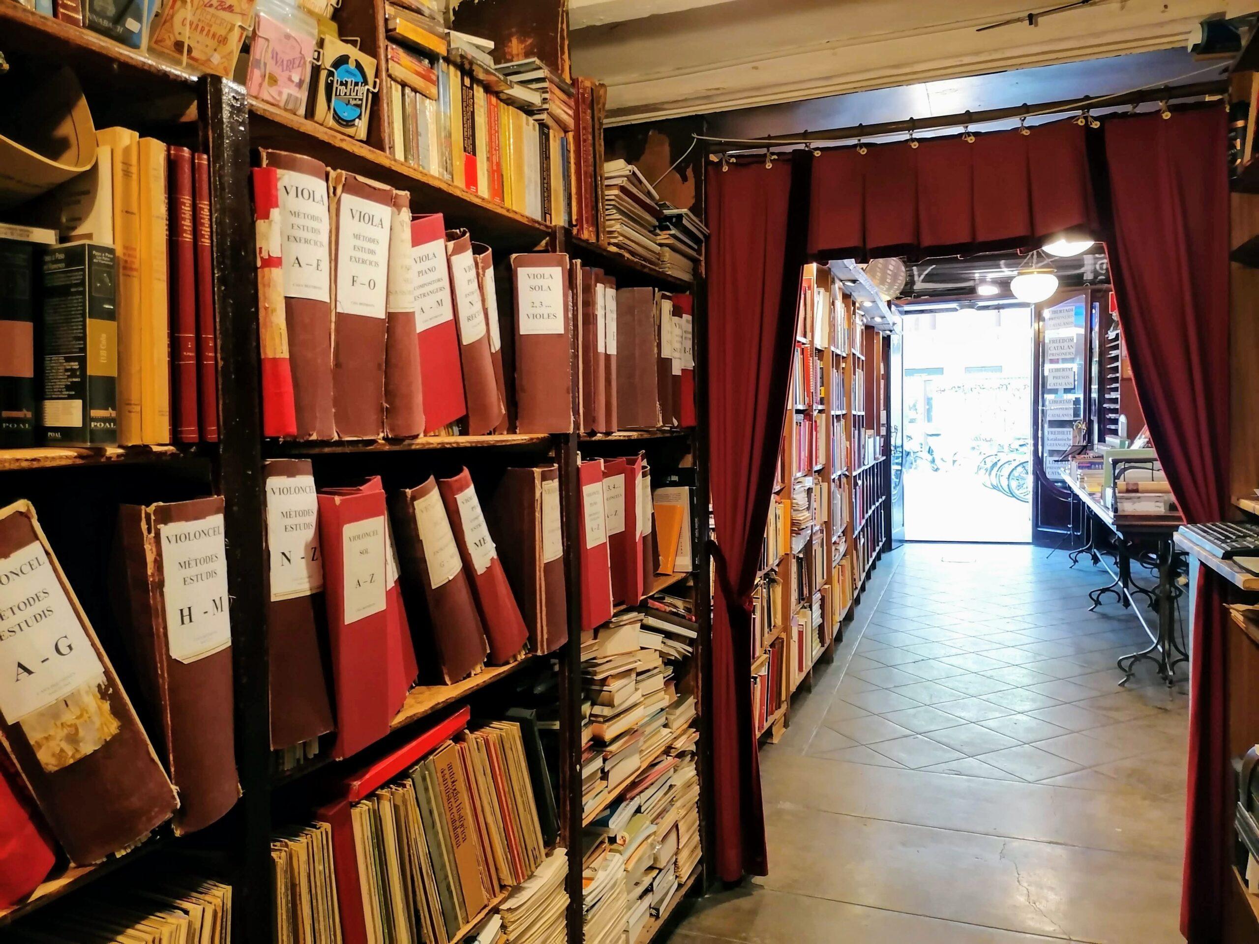 Interior de l'emblemàtica botiga de partitures Beethoven, a la Rambla / MMP
