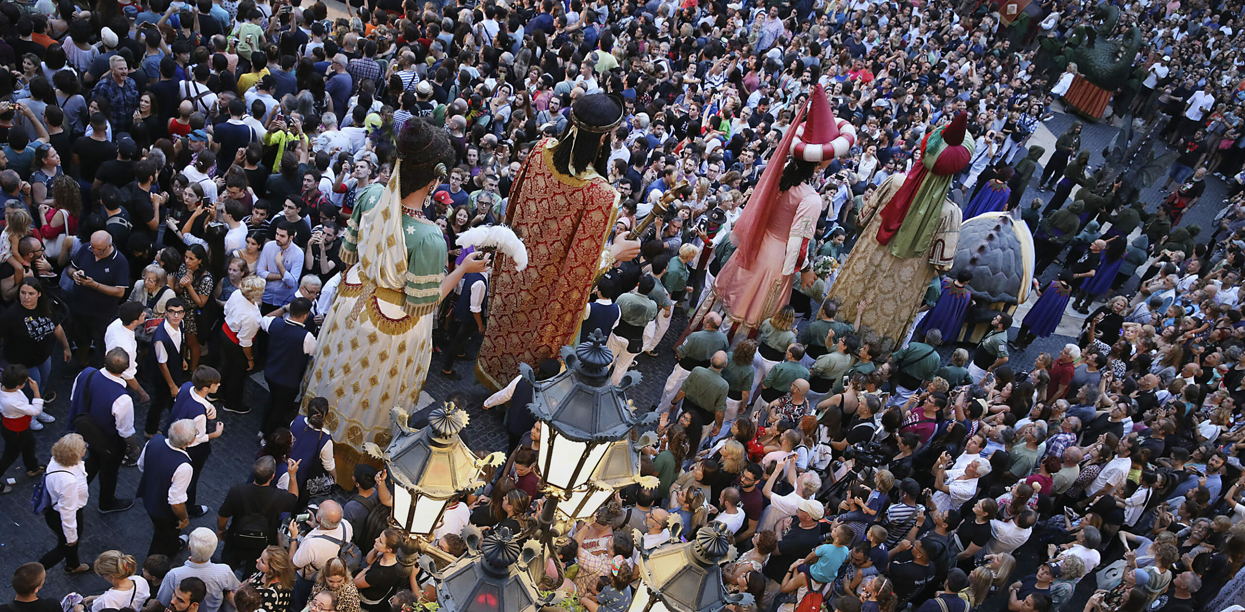 Exhibició de cultura popular a la plaça Sant Jaume, durant la Mercè 2019 / Jordi Play