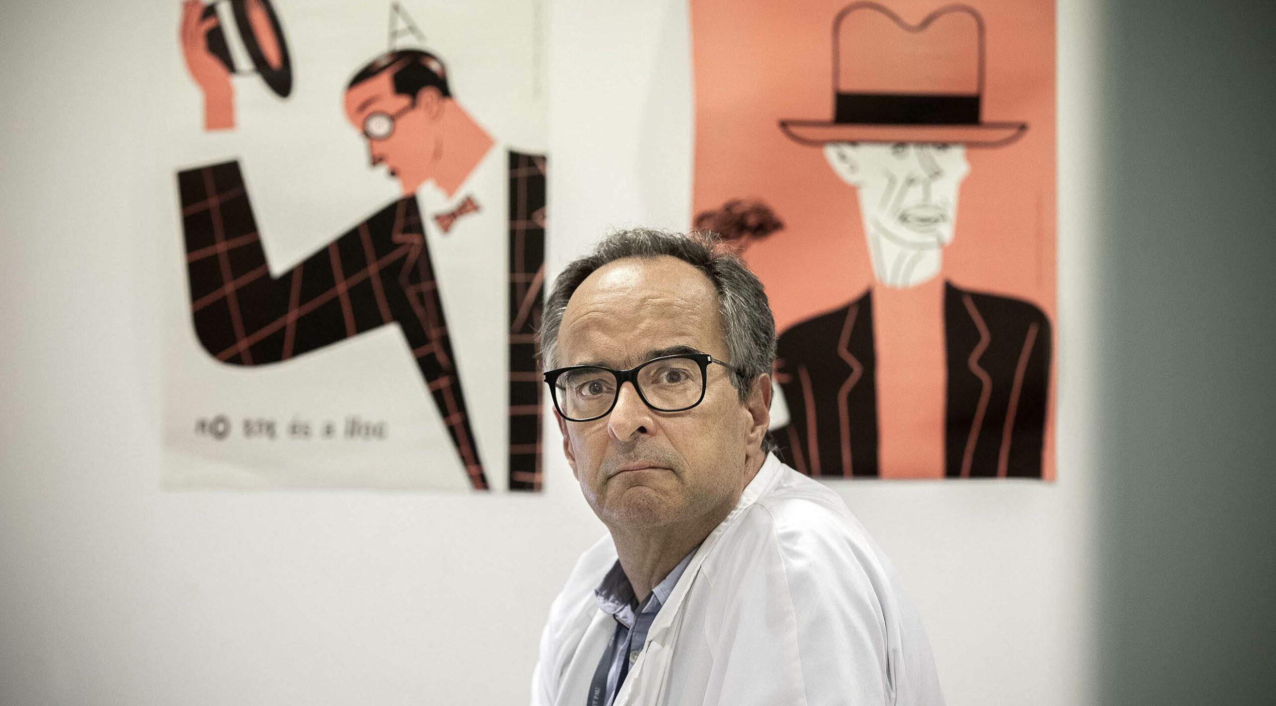 Joaquín López-Contreras, cap clínic de la Unitat de Malalties infeccioses de l'Hospital Sant Pau, abans de l'entrevista / Jordi Play