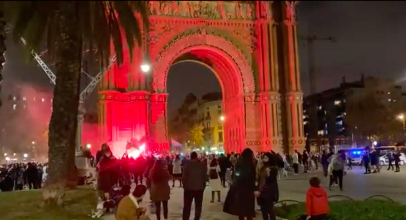Captura del vídeo que mostra la festa argentina per acomiadar Maradona / Cedida
