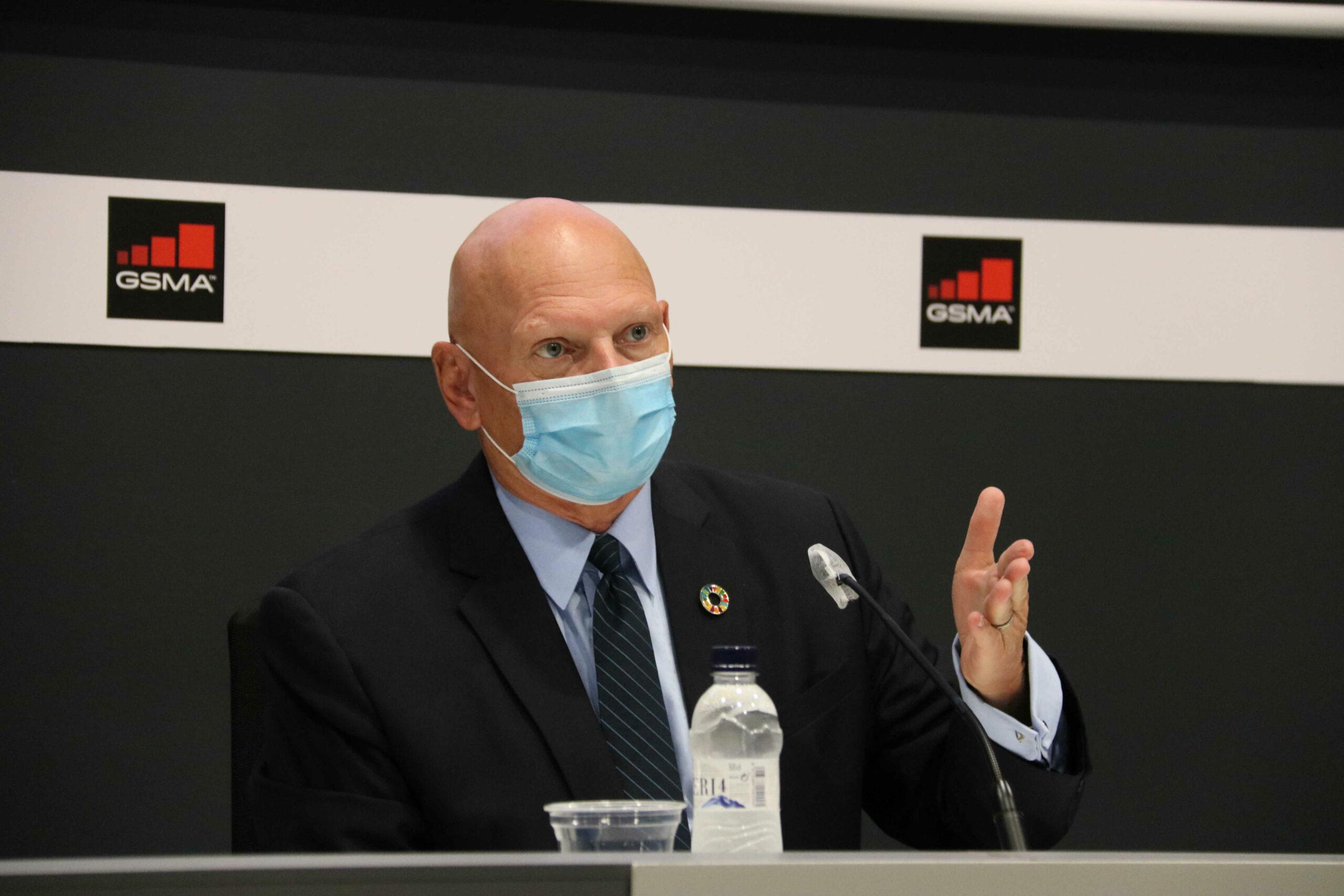 El conseller delegat del GSMA, John Hoffman, en una roda de premsa a Fira de Barcelona / ACN