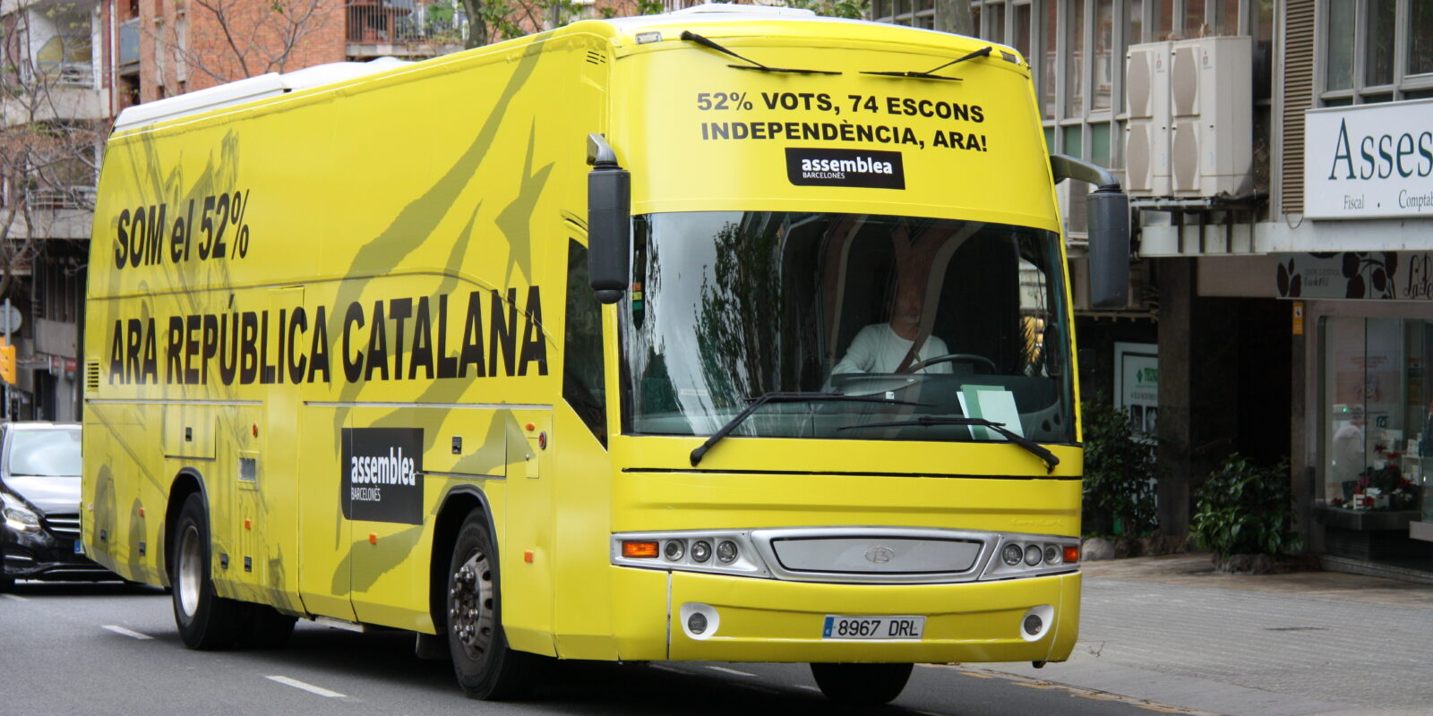 El 'Bus per la independència' impulsat per l'ANC, en circulació / ACN