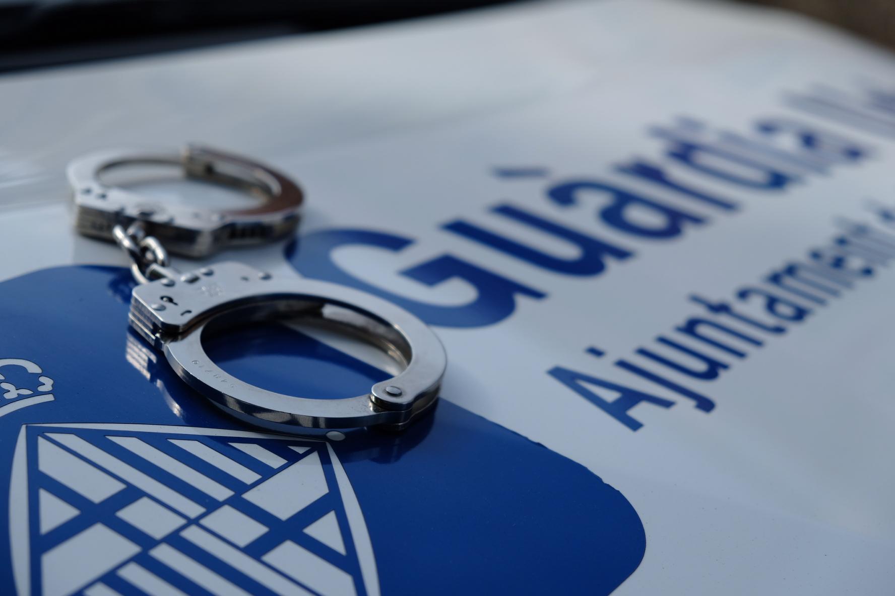 Imatge d'arxiu d'una detenció de la Guàrdia Urbana / GUB