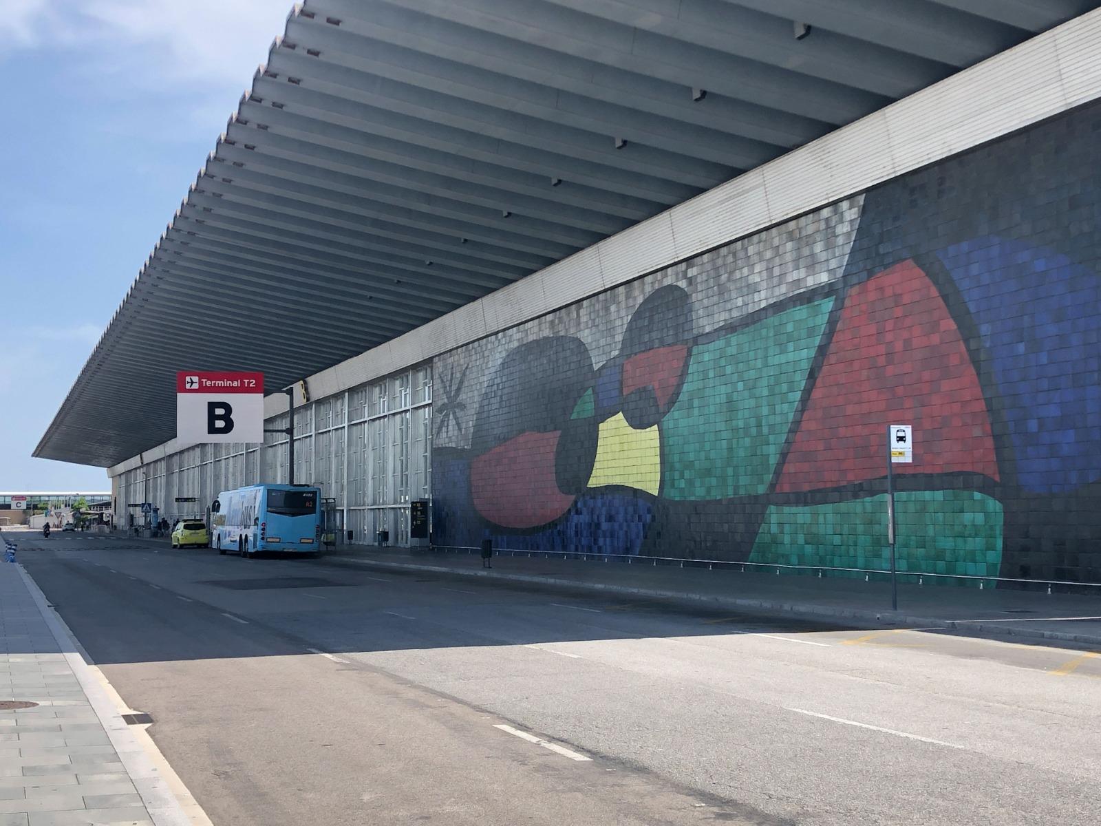 Exterior de la T2 de l'aeroport del Prat / Aena