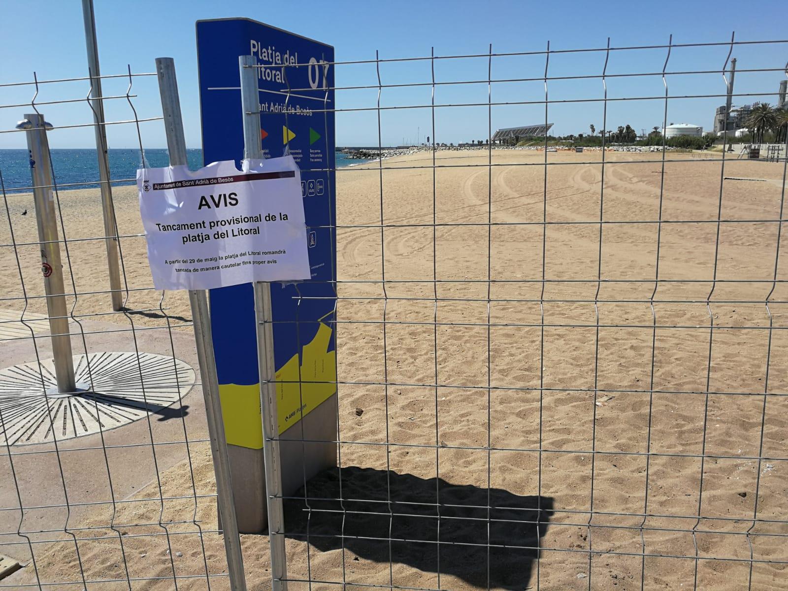 La platja tancada a Sant Adrià per contaminació / JR