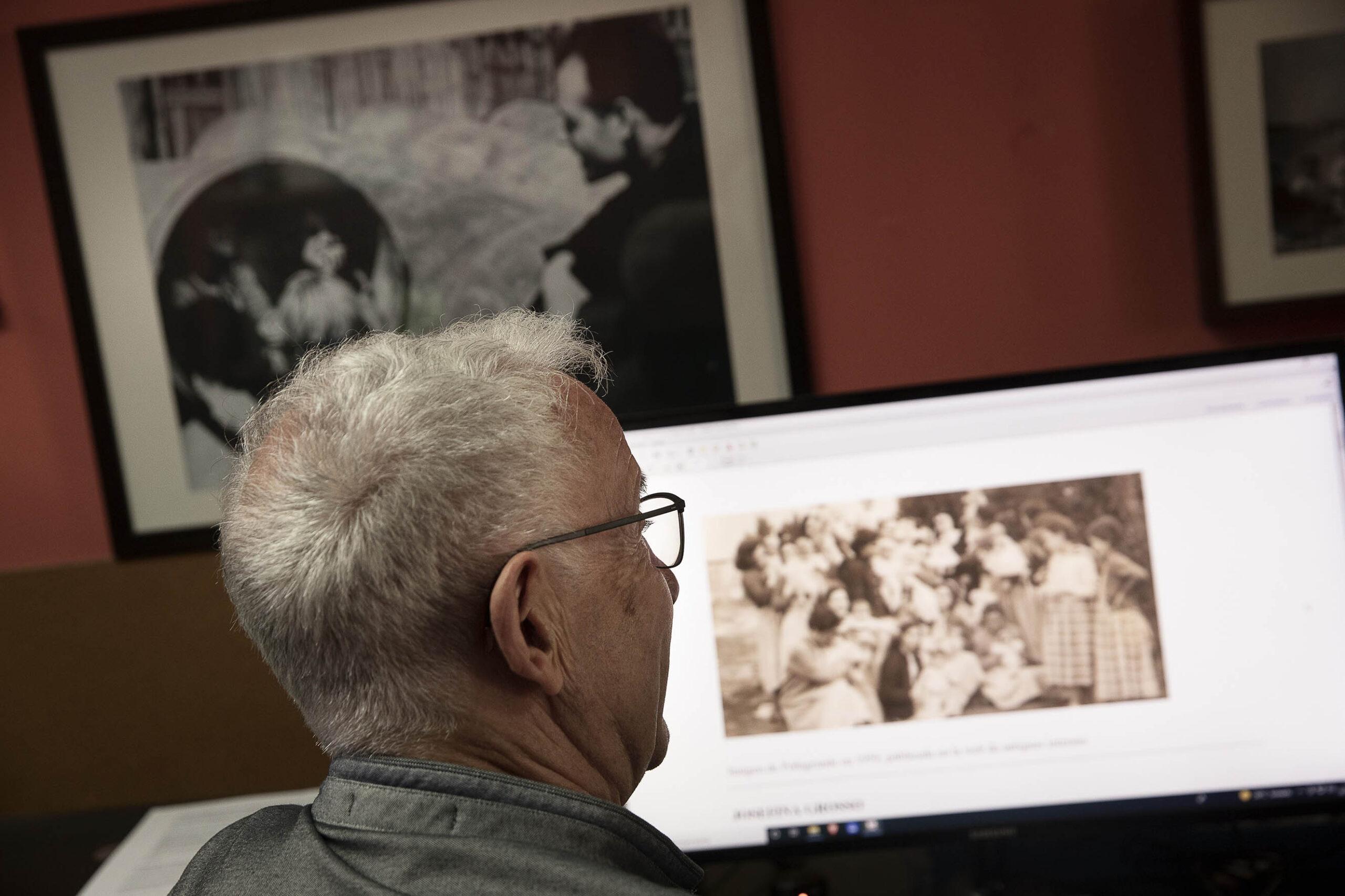 L'historiador Josep Maria Monferrer cedeix a l'Arxiu Municipal de Sant Martí un fons de més de 10.000 documents i 4.000 imatges JORDI PLAY