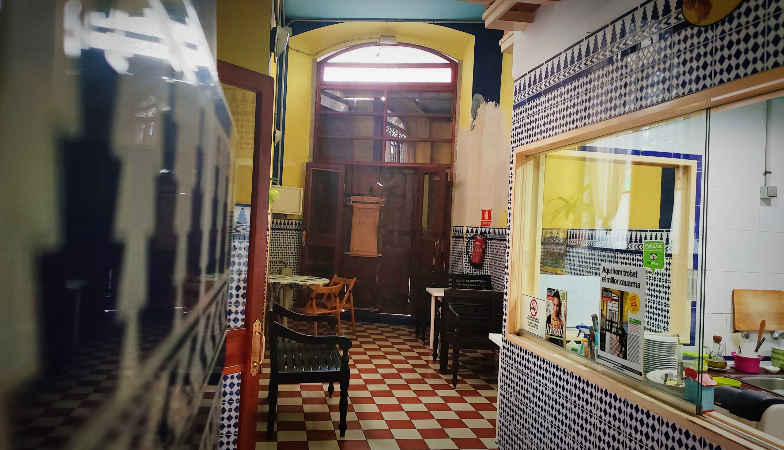 El local del Cuiner de Damasc, ja tancat, en ple procés de buidatge / D.C.